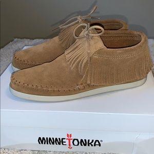 Minnetonka Venice Shoes